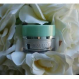 Energizing multi-protection eye cream total eye revitalizer with ALLANTOINE